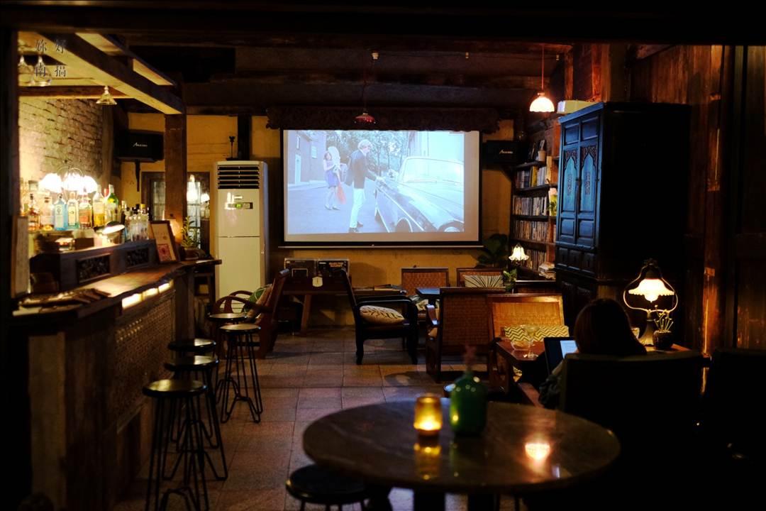 台南酒吧 lola蘿拉冷飲店