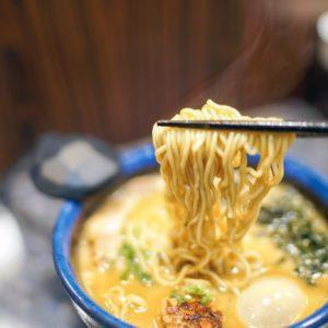 五黑家日式拉麵 | 用心熬製雞白湯頭,令人回味無窮的美味!